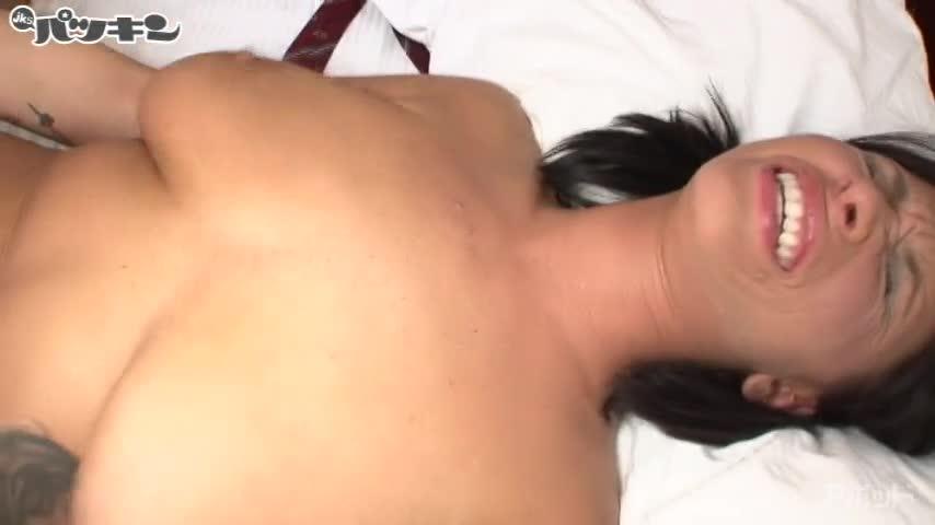 エロ動画、黒髪の爆乳外人娘 ハリージェームス(Halie James)VS 日本男児の表紙画像