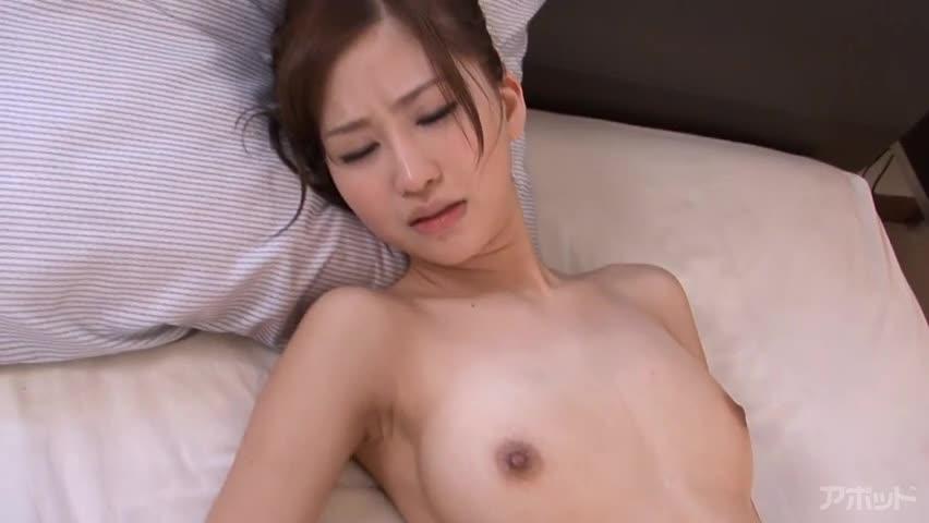 【エロ動画】艶っぽすぎる19歳のエッセンス ~ゴックンするのが普通です~石原美希