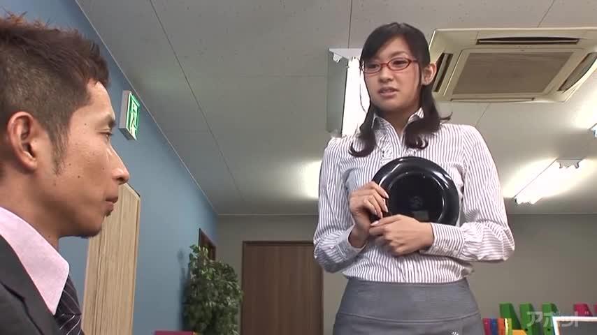エロ動画、MAX GIRLS 36 美尻に尻コキ タイトスカートに発射!の表紙画像