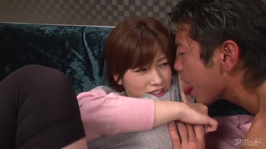 【エロ動画】汗だく汁まみれ性交 奥田咲のエロ画像1枚目