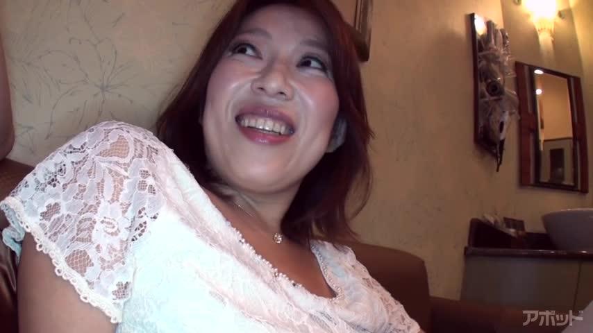 エロ動画、四十路限定・初撮り美熟女ドキュメント 中井美佐 40歳の表紙画像