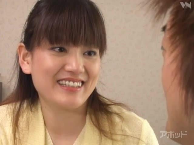 エロ動画、義母は元アイドルの表紙画像