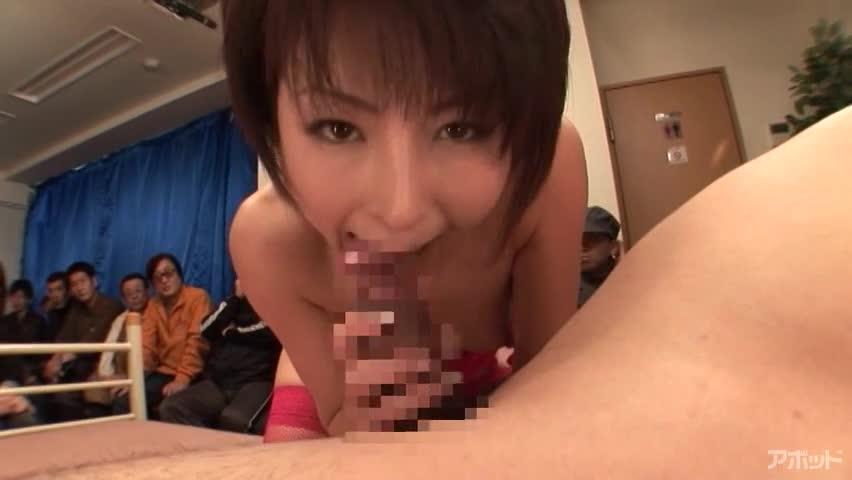 【エロ動画】視姦倶楽部 100人の目の前で 芹沢恋|抜けるエロ動画が多い