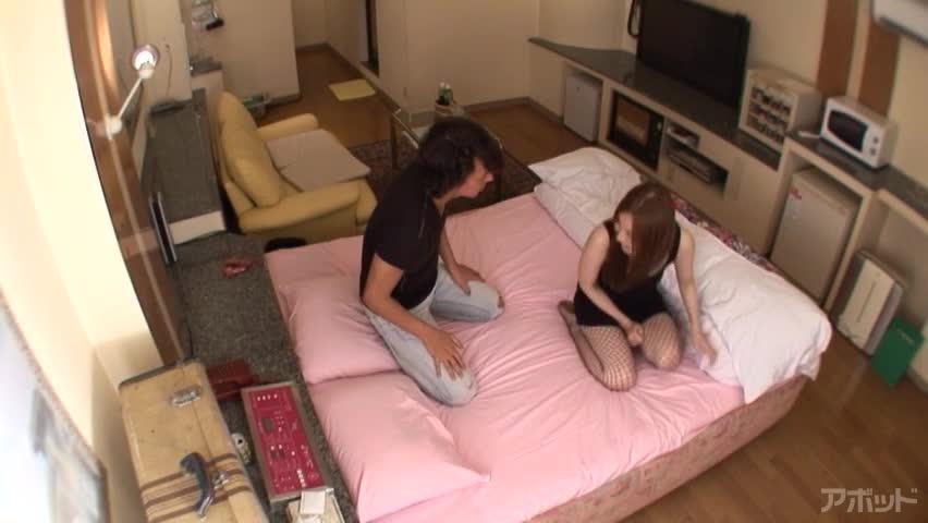 エロ動画、悩殺ビキニでヒッチハイク 辰巳ゆいの表紙画像