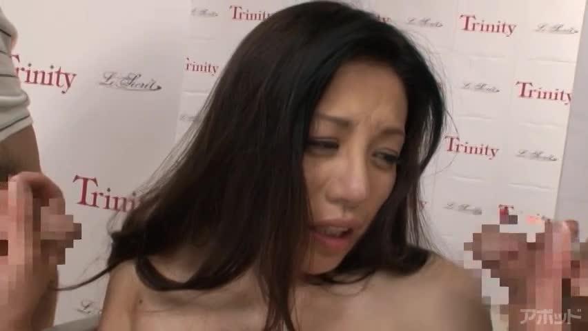 【エロ動画】SEXYスイムウェア発表会 愛澄玲花のエロ画像1枚目