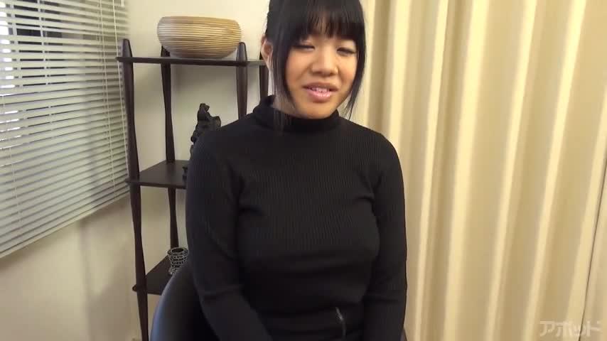 エロ動画、巨乳素人娘にピチめのセーター着せちゃいました!の表紙画像